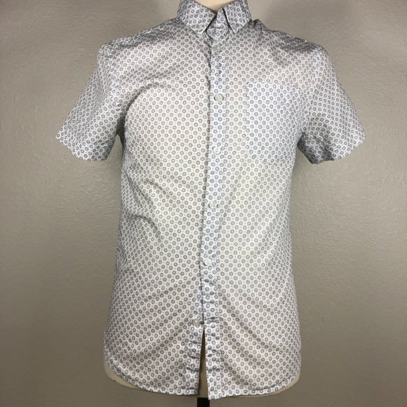 Guess Other - Guess Slim Fit SS Casual Button Down Small
